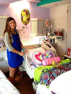 Texas mother and daughter make hospital rooms feel like home for sick kids : People.com