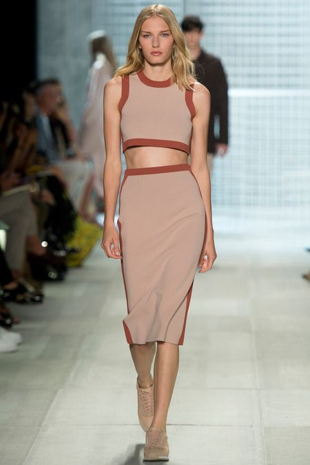 TIPOLOGÍA: Falda tipo lápiz a la rodilla | Lacoste | Spring 2014 Ready-to-Wear Collection | Top + franjas color
