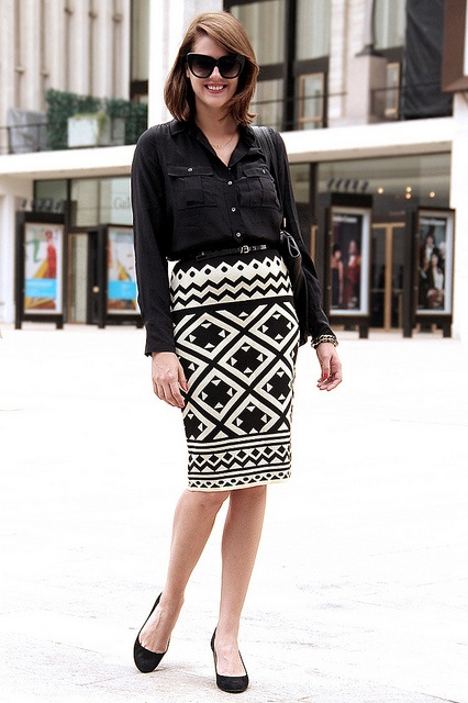 Printed skirt    What I Wore: Lincoln Center: Graphics Skirts, Black And White, Black Shirts, Black White Patterns, Prints Skirts, Pencil Skirts, Lincoln Center, White Skirts, Props Myoutfit