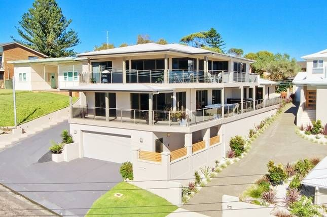 Hargraves Beach House | Central Coast Waterfront, NSW | Accommodation