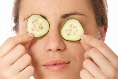 Tratamiento natural para las ojeras y bolsas debajo de los ojos.