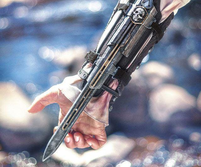 Assassins Creed IV Hidden Blade Gauntlet | DudeIWantThat.com