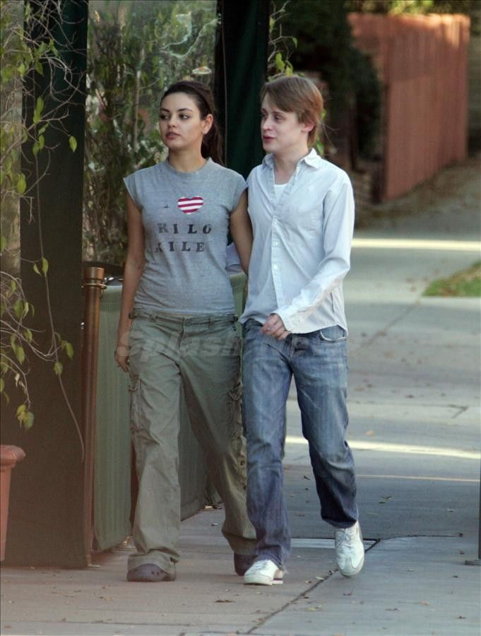 macaulay culkin mila kunis - photo #1