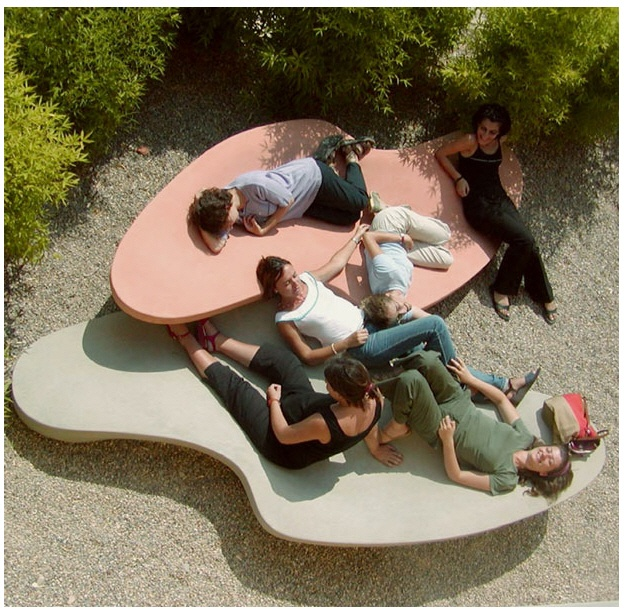 Bench by Escofet.com . material: liquid stone