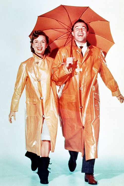 Debbie Reynolds & Gene Kelly in 'Singin' in The Rain', 1952.