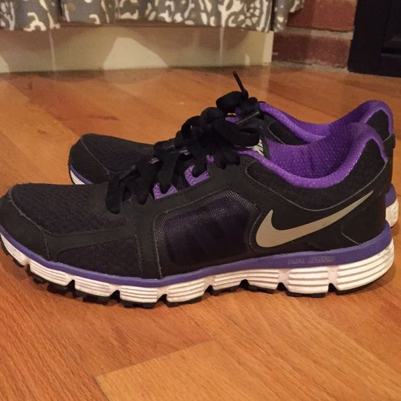 Nike dual fusion Nike dual fusions women's size 9. In great condition . Nike Shoes Athletic Shoes