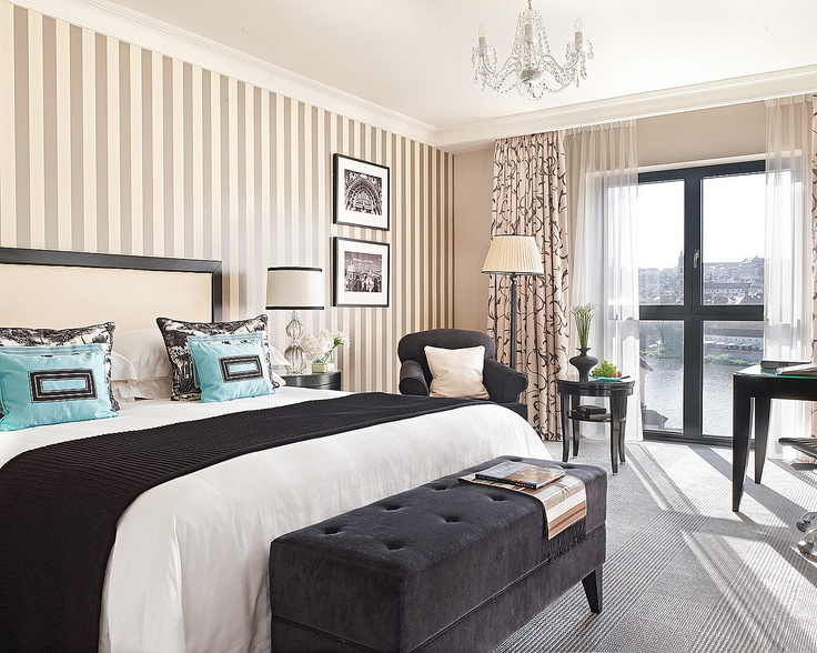 Decorated in either a Modernista style of black and grey with hints of turquoise or a lively coral color scheme, our new River-View rooms provide guest with absolutely breath taking views of Prague castle, Charles Bridge and the Vltava River.