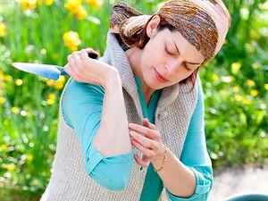10 trucos contra las picaduras de mosquitos: http://www.muyinteresante.es/salud/articulo/diez-cosas-que-puedes-hacer-para-evitar-las-picaduras-de-mosquitos-551373278590