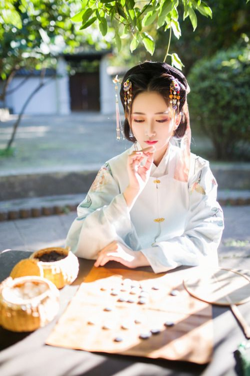 "mingsonjia: ""竹苑风吟 by Yula "" Traditional Chinese Hanfu - Type: Aoqun/袄裙 and Bijia/比甲 (sleeveless jacket)."