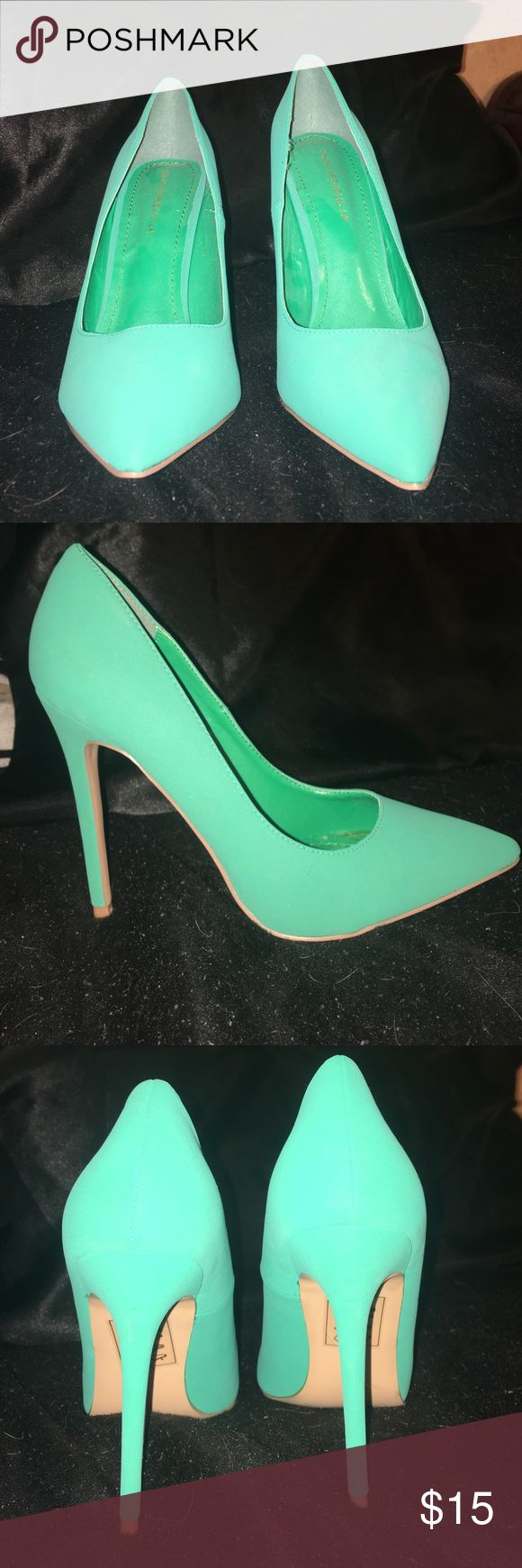 Teal high heels. Size 8.5 Teal high heels. Brand new and never worn. Pointed toe and slim heel. Perfect prom shoes! Shoes Heels