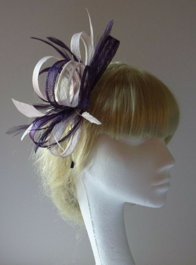 Green//BlackFeather Fascinator On Comb Weddings Mother Of The Bride//Groom Races