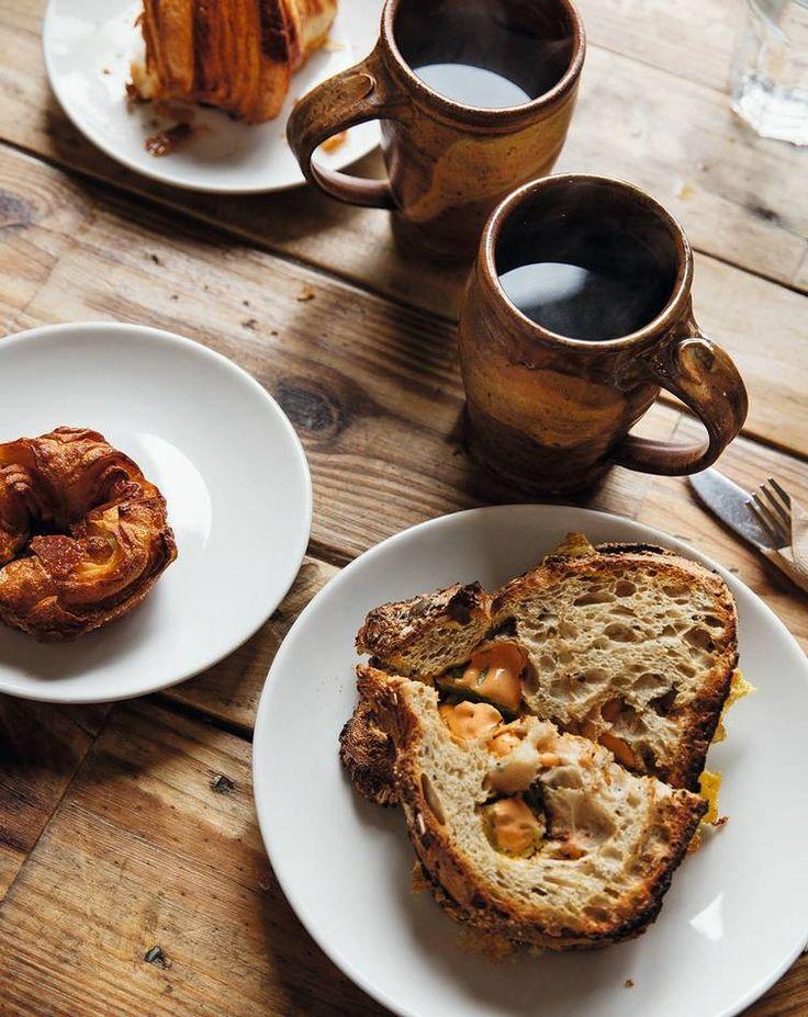 Hipsterfavoritt. Koscherkafeen og bakeriet Zak the Baker i det tidligere pakkhusområdet Wynwood byr på grovt tre, keramikk-krus og surdeigsblingser.