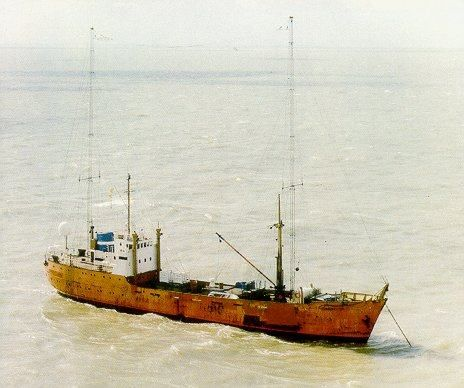 Laser 558 broadcasting from MV Communicator in the North Sea 1985