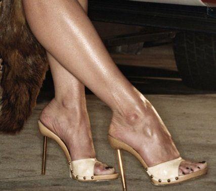 Roselyn Sanchez Legs | getir