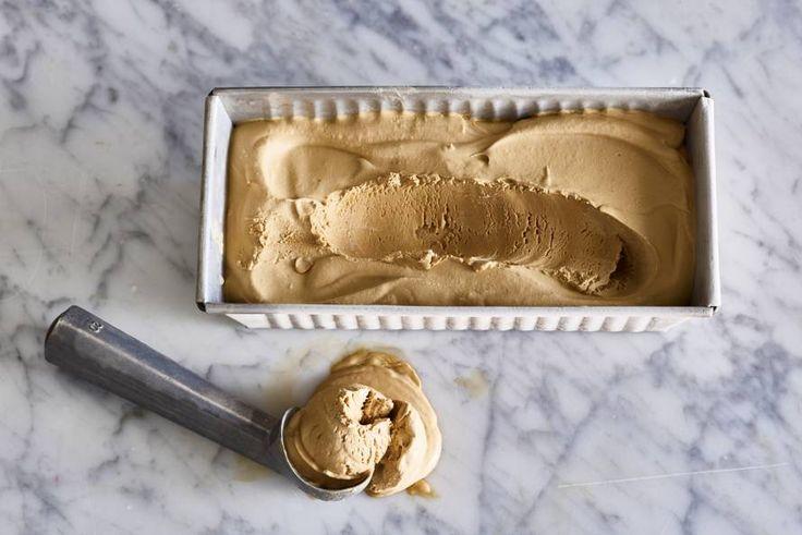 Koffie-ijs zonder ijsmachine - Recept - Allerhande