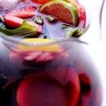 Sangria! Sangria! meyveli bir tür şarap kokteyli. İspanyollara özgü bu kokteyl gerçekten oldukça hoş ve değişik bir içki…