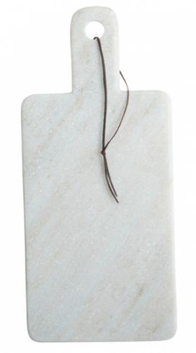Skjærebrettet Cheese er i vakker hvit marmor, 18 x 40 cm, b.: 1,5 cm. Fra House Doctor. OBS! Marmor er et naturprodukt og fargenyansen/mønsteret kan avike fra bildet!