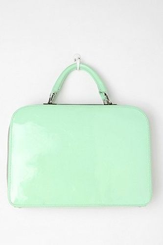 Want: A Retro Inspired Purse In A Charming Minty Shade
