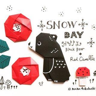 庭のツバキにチョビッと雪が積もった❄️ カワイイくまさんできた #クマ #ツバキ #おりがみ #きのこ #雪 #illustration #papercraft #paperflowers #origami #camellia #bear #blackbear #snow