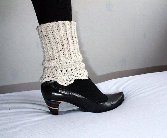 2 in 1 boot cuff pattern crochet boot topper pdf by Giftsandbobs - cute pattern!