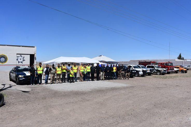 El alcalde Noel Dolores Loya Lozano, realizó el arranque del operativo de Semana Santa en la cabecera municipal....
