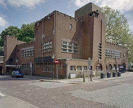 Voormalig politiebureau uit 1927 op de Tolsteegbrug Utrecht, nu het Louis Hartlooper Complex