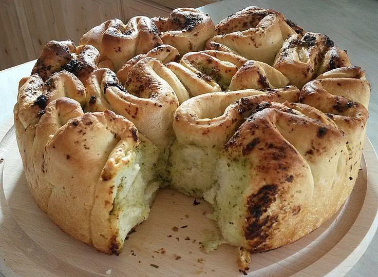 Knoblauch - Faltenbrot, ein leckeres Rezept aus der Kategorie Brot und Brötchen. Bewertungen: 470. Durchschnitt: Ø 4,7.