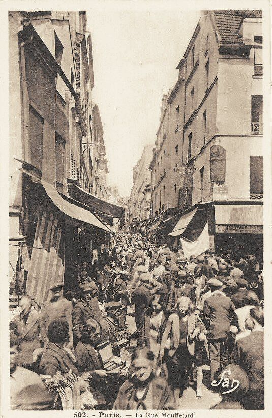 Paris 1930, la rue Mouffetard noire de monde