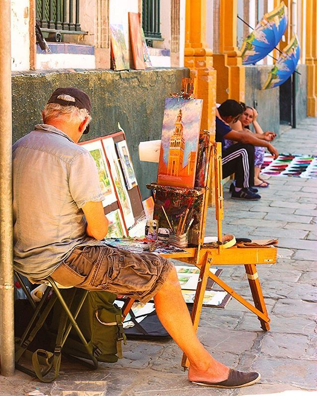 #painter #painting #art #colors #canvas #artist #stall #focus #oldtown #sevilla #seville #igerssevilla #igersspain #igspain #spain #españa #enjoyeurope #europe