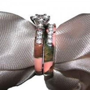 pink camo engagement ring!!! THIS IS THE ONE I WANT!!!!!!!