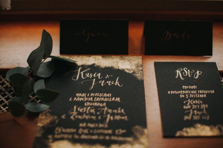 black with gold - invitations by HELLOcalligraphy .Małgosia Małecka.