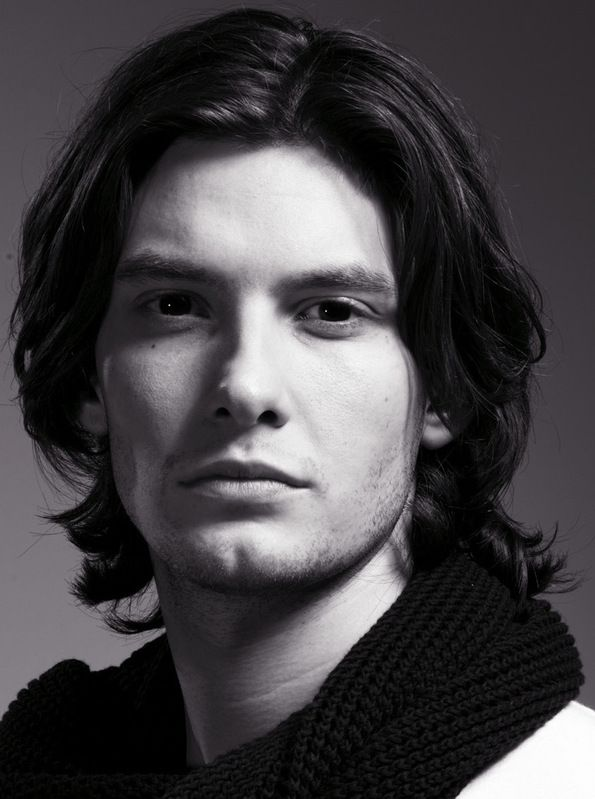 Ben Barnes, proving that long hair on men can be very sexy!