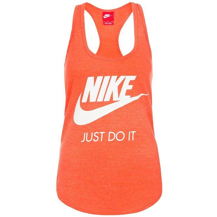 """Nike Gym Vintage Tank Top Damen    Egal ob im Studio oder auf der Straße, in dem Nike Gym Vintage Tanktop siehst du verdammt gut aus.    Das Top besteht aus einem sehr weichem, strapazierfähigem Material und sorgt für höchsten Tragekomfort. Es hat eine feminine Passform, ein Racerback und einen abgerundeten Saum. Auf der Vorderseite befindet sich ein großes Nike-Logo und der Schriftzug """"Just Do..."""