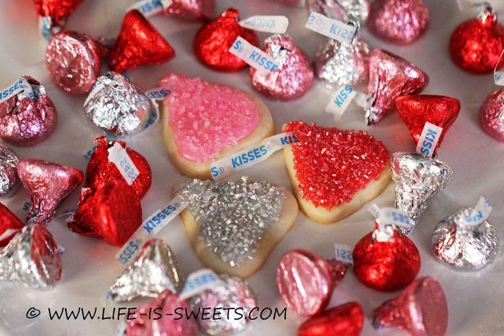 "Life Is Sweets: Hershey's Kiss, Kiss ""Dah-ling"" Cookies"