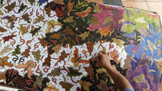 Colouring batik