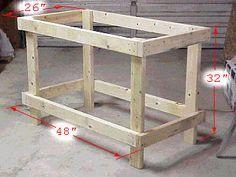 Dimensiones de la mesa de trabajo sencilla hecha de 2x4 y OSB.