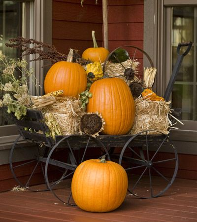 Vintage wagon of pumpkins