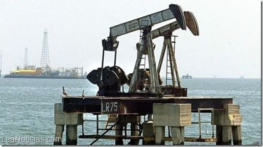 Analizan cómo afecta a Venezuela la caída global en el precio del petróleo - http://www.leanoticias.com/2014/11/18/analizan-como-afecta-a-venezuela-la-caida-global-en-el-precio-del-petroleo/