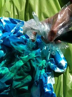 DIY Tie Dye Comforter