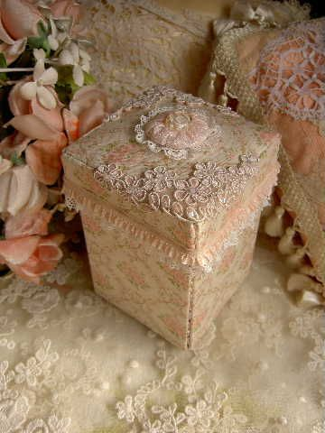 ❤✄◡ً✄❤ ❤✄◡ً✄❤ Pretty lace decorated boxes