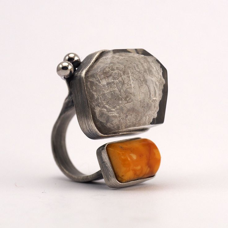 resin, amber, stone, silver Design Julia Tusz and Sylwia Calus