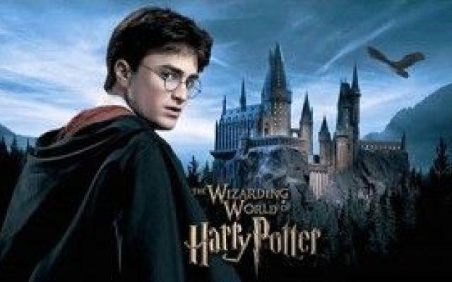Harry Potter nel mondo: eventi, iniziative e parchi a tema In attesa del lancio della nuova saga di Harry Potter che avverrà il prossimo 18 novembre, si moltiplicano gli eventi e le iniziative di intrattenimento che si stanno dimostrando davvero originali. A #harrypottereventi #eventi #giochi