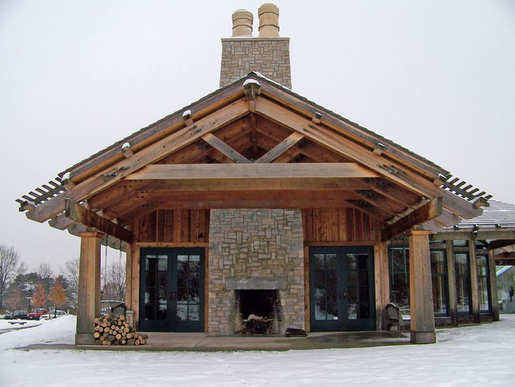 Здание и открытый камин