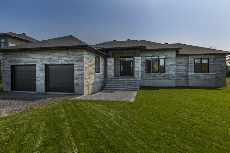 TO BE BUILT 1610 Rangeland Way 'Quinn Farm' Ottawa $799,000. This 2552 sq ft bungalow by Mackie Homes will have hardwood and tile flooring throughout, and custom cabinetry for kitchen, ensuite, main bathroom and laundry.  *Pictures are of a similar model.