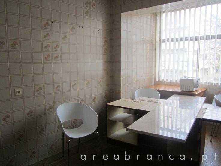 Cozinha - Antes #areabranca #decoraçãointeriores #designinteriores #interiordesign #cozinha