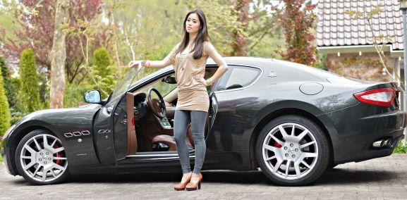 Outfit: Josh V met Maserati - http://www.thebeautymusthaves.com/2013/05/outfit-joshv-jurkje-met-de-maserati.html