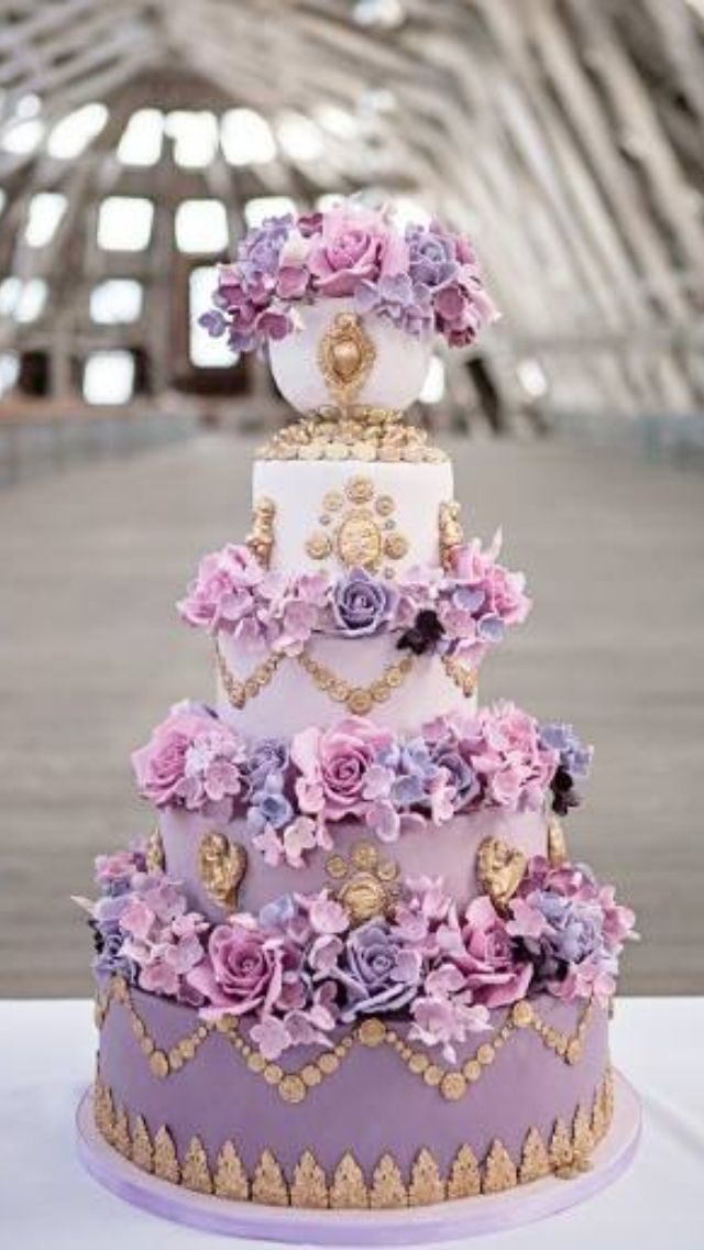 Lilac, purple & gold wedding cake: Pink Wedding, Weddings, Purple Flowers, Mary Antoinette, Purple Cakes, Gold Wedding, Weddingcak, Sugar Flowers, Purple Wedding Cakes