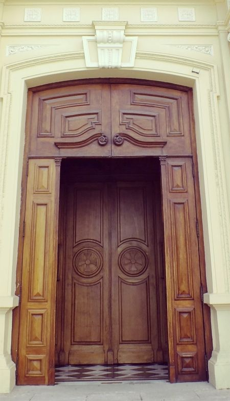 #puerta Parroquia de la Sagrada Familia #mardelplata #mdq #door