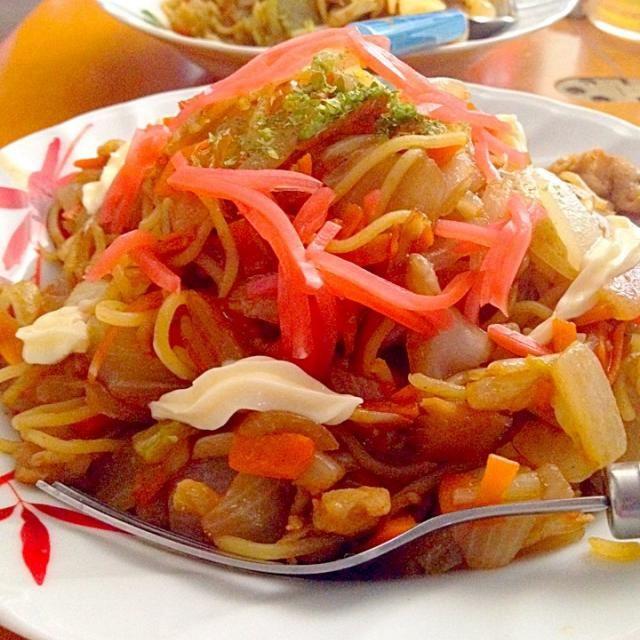 豚肉、キャベツ、ニンジン、タマネギ、紅ショウガ、青海苔、マヨネーズ - 35件のもぐもぐ - ソース焼きそば by mjuk