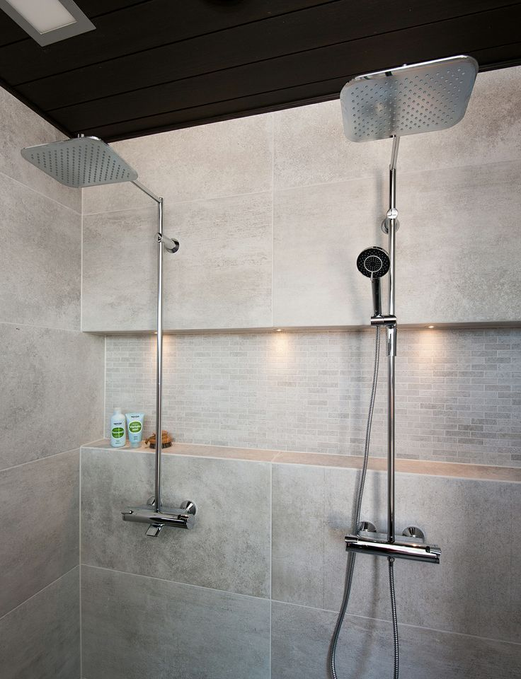 Smart Oras Optima rain shower faucets at Kalajoki Fair. Left: Model Oras 7191, right: Oras 7192